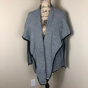 BB Dakota Black White Cardigan Sweater NWT M L